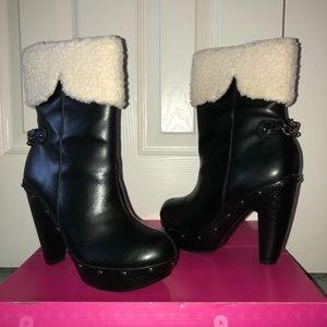 Black boots w/ faux sheepskin trim